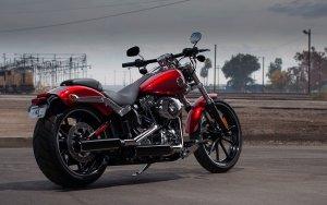 Harley-Davidson-Softail-Breakout-2013